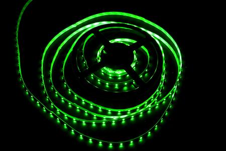 фото: Светодиодная лента 3528 60 диодов 12 вольт IP33 зеленая