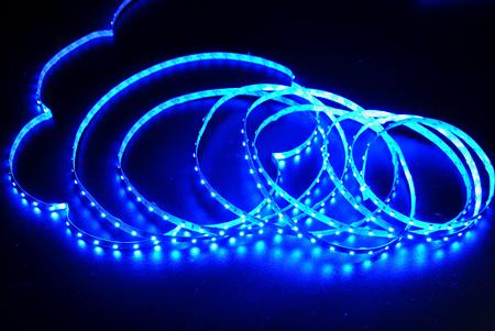 фото: Светодиодная лента 3528 60 диодов 12 вольт IP33 синяя