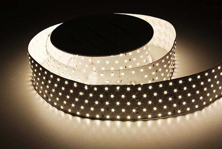 Светодиодная лента LEDcraft SMD 2835 36 Ватт на метр 350 диодов на метр IP 33 Холодный белый