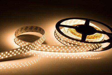 Светодиодная лента LEDcraft SMD 2835 26 Ватт на метр 252 диода на метр IP 33 Теплый белый